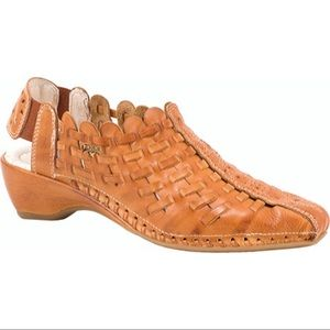 Pikolinos Romana Leather Shoes